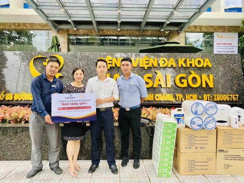 Công Ty Thế Giới Giấy trao tặng giấy cho bệnh viện đa khoa Nam Sài Gòn Tại TPHCM