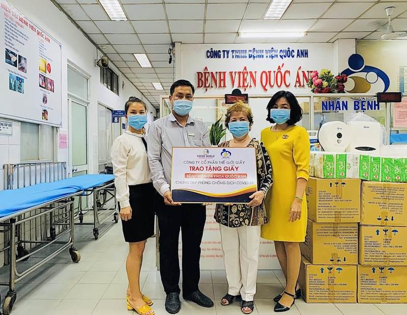 Thế Giới Giấy trao tặng giấy cho bệnh viện đa khoa Quốc Anh tại TpHCM