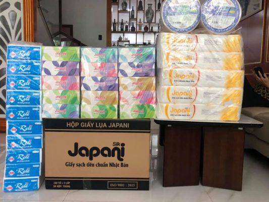 Combo mua giấy vệ sinh thiết yếu cho người dân